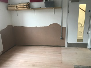 Removal of wall plastering for treatment
